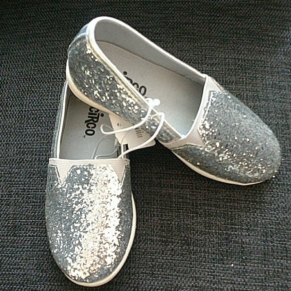 11cdf648081e Girl s Silver Glitter Slip-on Shoe - Size 11